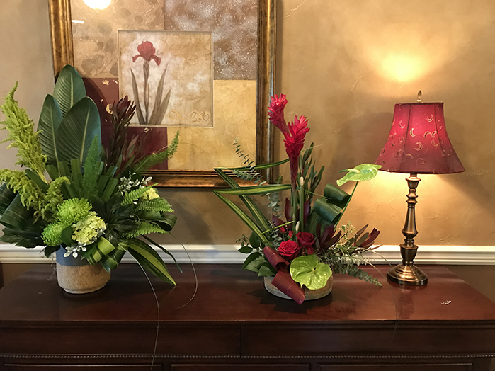 Green Aspidistra, Baby Blue Eucalyptus, Red Ti Leaves, Bear Grass, Red Safari, Oregonia, Salal